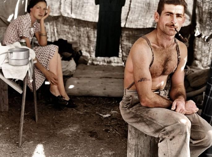 Carpintero en paro con su esposa en 1939